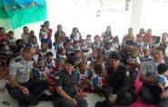 Policiais militares levam alegria a crianças em creche de Barra de São Francisco