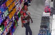 Vídeo mostra mulher furtando produtos de beleza na Farmácia Paulista, em Barra de São Francisco