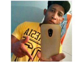 Jovem é encontrado morto na beira de uma estrada em Vila Valério