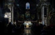 França muda trecho da oração 'Pai Nosso'