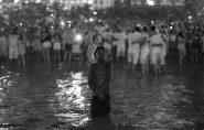 Foto de menino durante o réveillon de Copacabana causa polêmica nas redes sociais