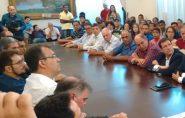 Reinício de obras em Água Doce do Norte une oposições políticas. Vice-prefeito Jacy Donato está mais próximo de Abraão Lincoln