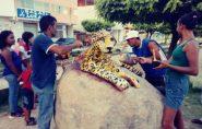 Artista francisquense AlcioneGonçalves faz uma onça pintada na entrada da Vila Luciene; veja fotos