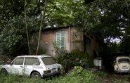 Brasil: ex-militar de 88 anos tem 350 carros velhos no quintal de casa