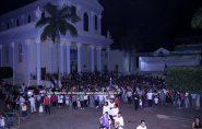 Povo de Deus acompanha a liturgia da Paixão e Morte de Jesus Cristo  nesta Sexta Feira Santa, 1º lote, confira as fotos