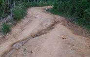 Preocupados com a colheita do café e transporte de estudantes, moradores do Rio do Campo reclamam das péssimas condições das estradas