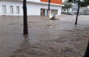 Chuva provoca alagamentos e estragos em regiões do Espírito Santo