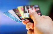 Fatura do cartão de crédito consome cerca de um terço do orçamento