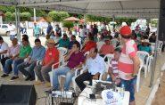 Em ano de eleição, inauguração de calçamento de uma rua em Barra de São Francisco atraiu senador, deputados, vereadores e prefeitos
