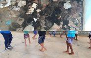 Local onde crianças de Barra de São Francisco fazem educação física está tomado pela sujeira, denuncia vereador