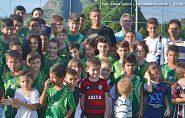 Jogador Richarlison visita projeto campeões de futuro em Vila Pavão