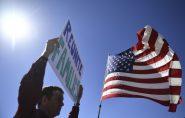Família que fugiu de traficantes no ES  é separada ao tentar entrar nos EUA