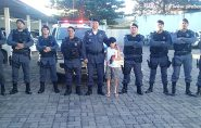 Criança do Rio de Janeiro realiza sonho ao conhecer o Batalhão da Polícia em Barra de São Francisco
