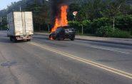 Brasil: carro do jogador Paquetá pega fogo e explode