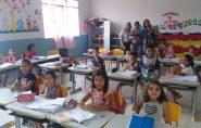 Secretária de Educação visita escola do interior do município que foi destaque nos resultados do IDEB