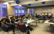 Psicólogas participam de roda de conversa sobre suicídio com professores da Escola Viva de Barra de São Francisco
