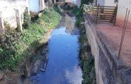 Moradores de São Domingos do Norte sofrem com esgoto no rio da cidade