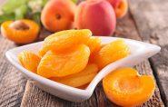 Damasco possui Vitamina C, Vitamina A, Potássio e poucas calorias. Conheça 9 benefícios da fruta
