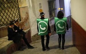 whatsapp-fantasia-espanha-ano-novo-REUTERS