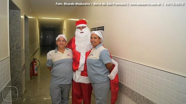 SiteBarra - papai noel no hospital dra rita de cassia barra de sao francisco (19)