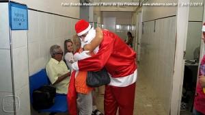 SiteBarra - papai noel no hospital dra rita de cassia barra de sao francisco (25)