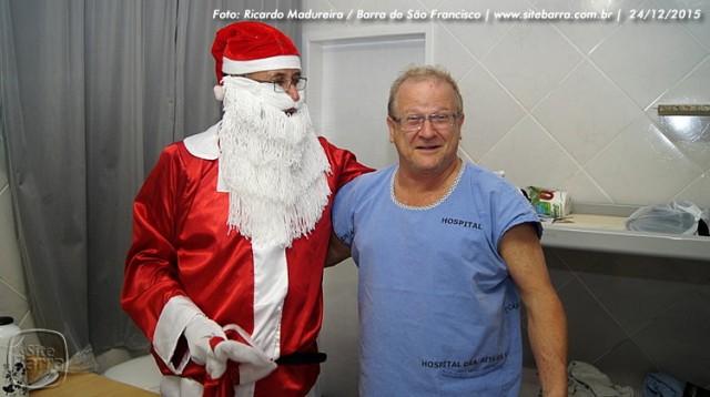 SiteBarra - papai noel no hospital dra rita de cassia barra de sao francisco (30)