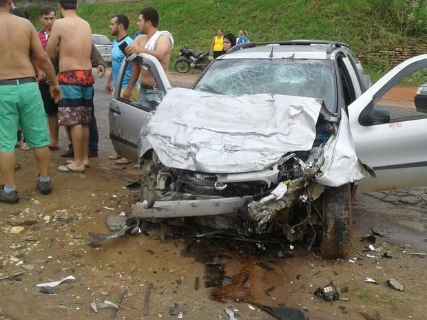 Acidente deixa 5 feridos no Sul do Espírito Santo 9cad6bba58546
