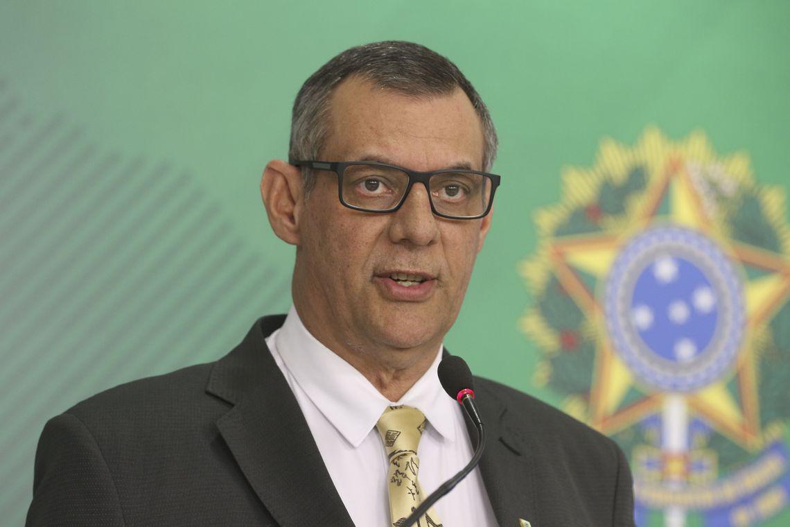 O porta-voz da Presidência da República, Otávio Rêgo Barros, fala à imprensa, no Palácio do Planalto