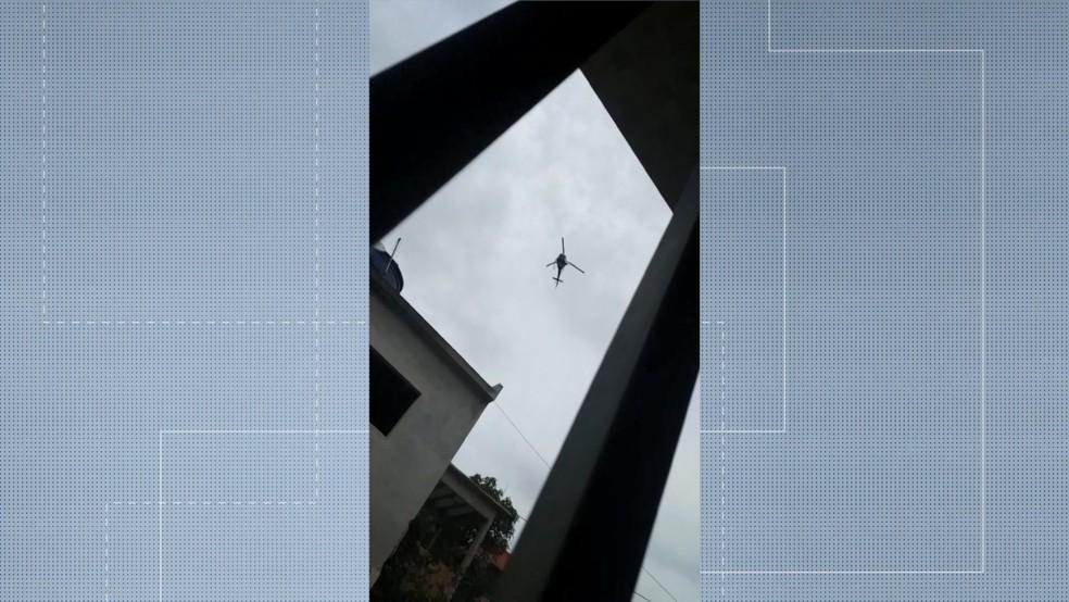 Helicóptero da PM sobrevoou a região onde tiros aconteceram.